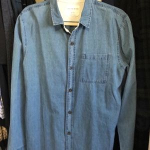 On The Byas Charmbry  Button Down  Shirt NWOT